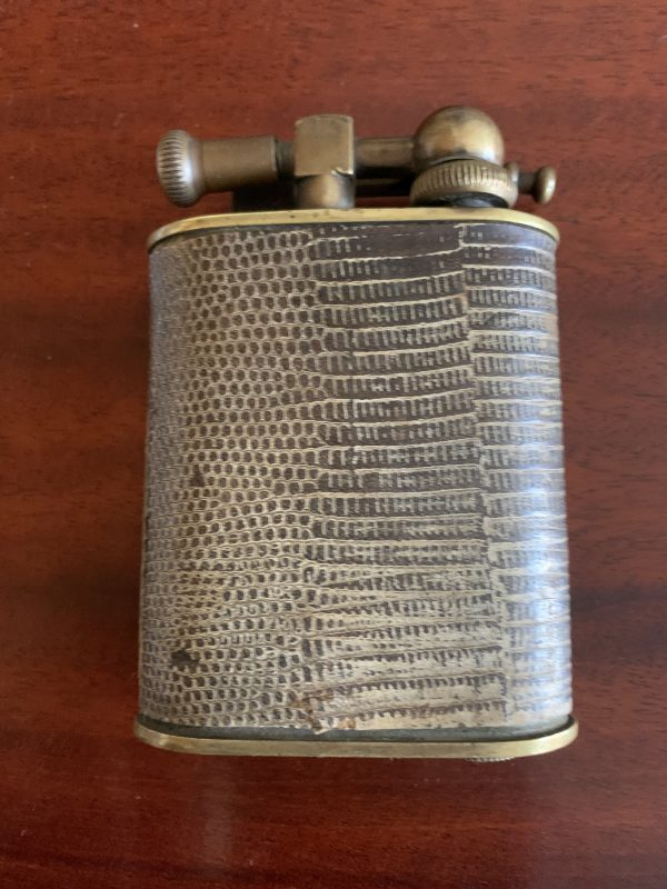 Ancien briquet de table