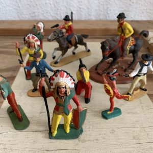 Lot de 10 soldats en metal - Indiens Cowboys
