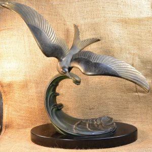 Mouette sur la vague Bronze