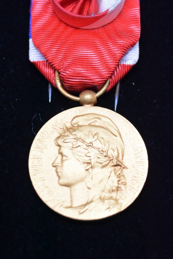 MEDAILLE DU TRAVAIL OR