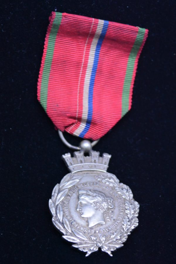 MEDAILLE ANCIENS COMBATTANTS DEFENSE NATIONAL